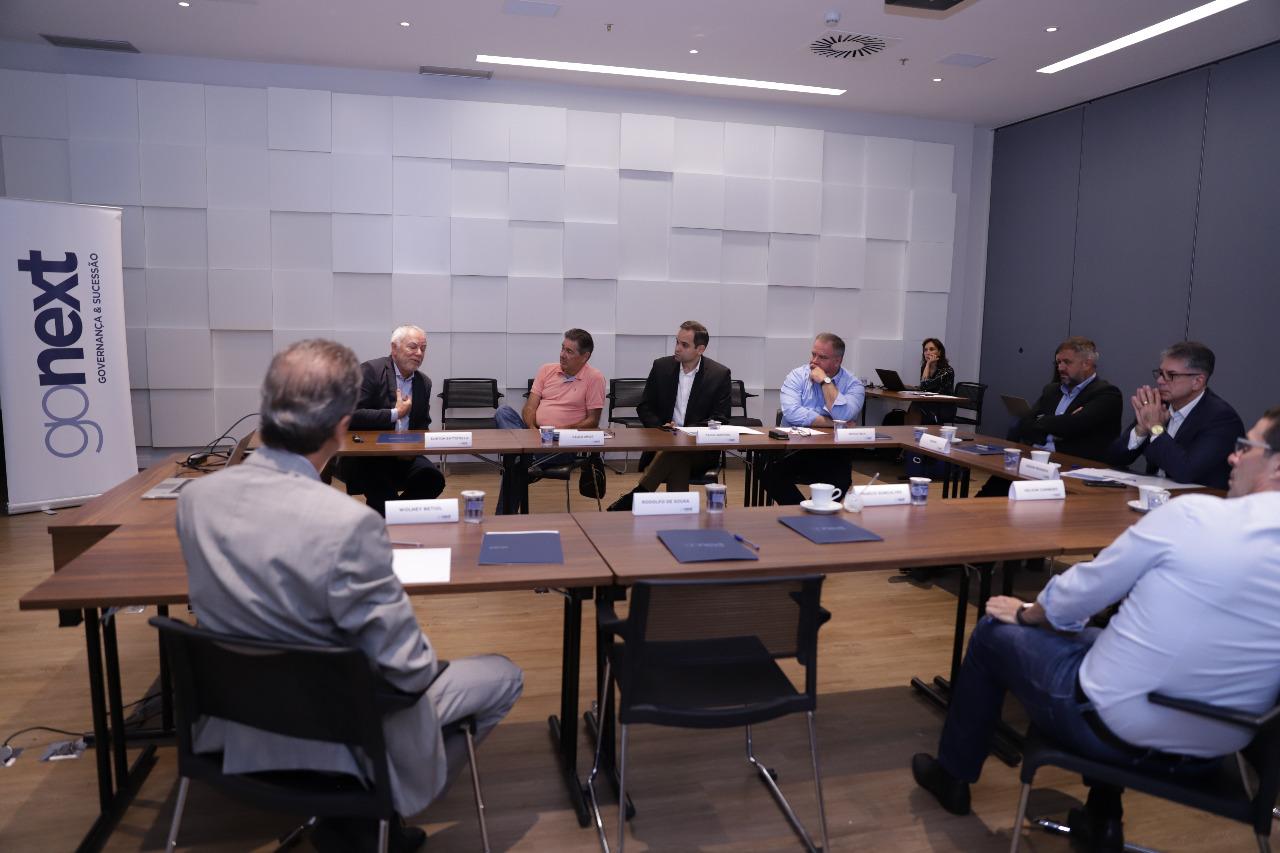 A IMPORTÂNCIA DA RELAÇÃO ENTRE O CONSELHO DE ADMINISTRAÇÃO E O CEO